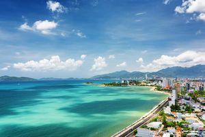uitzicht op Nha Trang en Nha Trang Bay op achtergrond de Khanh Hao provincie - Vietnam