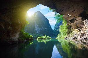 Grot en berg, tam coc - Vietnam - foto: Archief