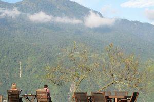 Terras met uitzicht van de Topas Ecolodge in Sapa - Topas Ecolodge - Vietnam