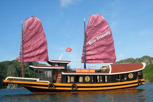 Boot: 'Eco Friendly Junk' - Lan Ha Bay - Cat Ba Island - Vietnam