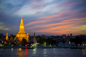 Zonsondergang van Wat Arun - Thailand - foto: flickr
