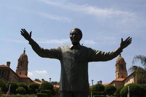 Union Buildings met standbeeld Mandela