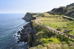 Pad langs de kliffen, Jeju island - Zuid-Korea