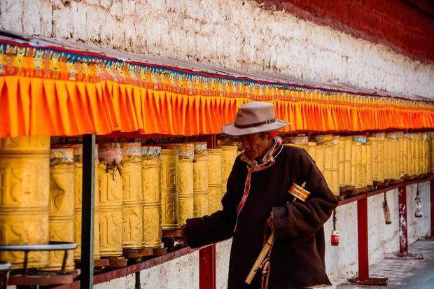 gebedswielen - Potala Paleis - Lhasa - Tibet