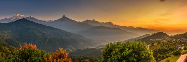 zonsondergang in Himalaya omgeving - Nepal