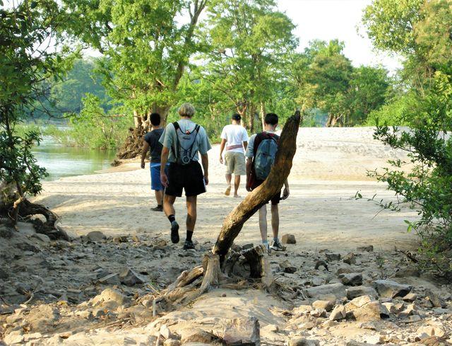 Cambodja - Stung Treng - wandelen langs de mekong