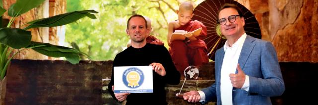 Ruud en Sebastiaan met Reisgraag Award 2021