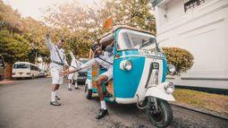 blije gidsen in tuk tuk - Sri Lanka